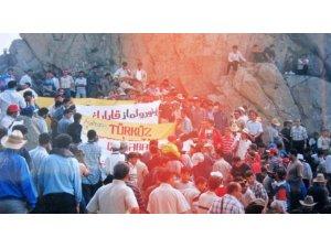 İran'da Türkler engellere rağmen Babek Kurultayı'nı düzenledi