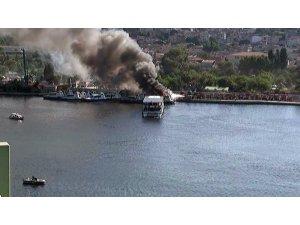 Haliç'te deniz taksilerde yangın paniği