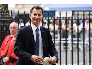 İngiltere Başbakanı Theresa May, Boris Johnson'ın istifasından sonra Jeremy Hunt'ı Dışişleri Bakanı olarak atadığını duyurdu.