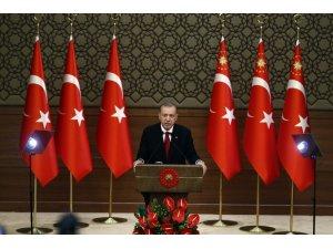Başkan Recep Tayyip Erdoğan kabineyi açıklıyor.