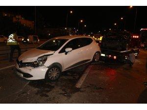 Çekmeköy'de zincirleme trafik kazası... Film izler gibi olay yerini izlediler