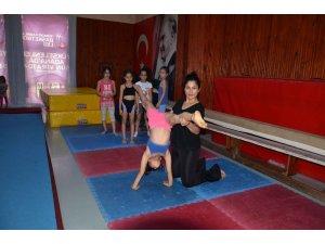 """Düyanlı: """"Küçük yaş grubu öğrenciler spora cimnastik ile başlamalı"""""""