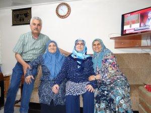 Bakan Dönmez'in baba evinde sevinç hakim