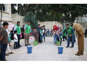 Suriyeli yetimlere moral etkinliği