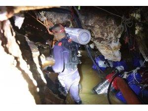 Tayland'da 2 çocuk daha mağaradan kurtarıldı