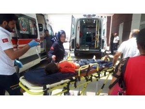 Atın teptiği çocuk yaralandı
