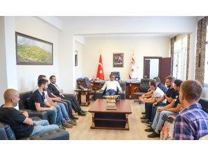 'Robotik Futbol Takımı', KKTC Başbakanını ziyaret etti