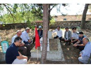 Kepsut'ta şehit mezarları ziyaret edildi