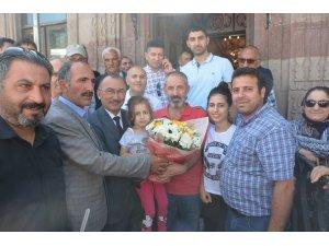 Başkan Köksoy, İstanbul'da yaşayan köylüleriyle Ardahan Tarihi Kongre Binası'nda bir araya geldi