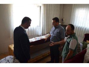 Vali Büyükakın selde zarar gören evleri ziyaret etti
