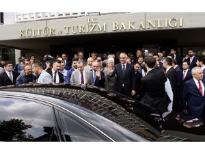 """Kültür ve Turizm Bakanı Ersoy: """"Yeni dönemin öncelikli sektörü turizm olacak"""""""