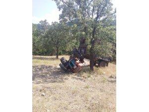 Gediz'de traktör takla attı; 3 yaralı