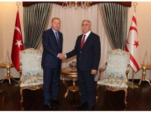"""Cumhurbaşkanı Erdoğan: """"Kıbrıslı Türklerin bir Kıbrıs Rum devletinde azınlık haline getirilmesine asla izin verilmeyecektir"""""""
