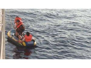 Kuşadası Körfezi'nde 28'i çocuk 53 kaçak göçmen yakalandı
