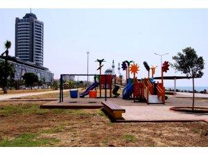 İskenderun sahilinde çocuklara iki yeni park