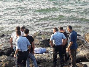Giresun'da kayalıklardan denize düşen yaşlı adam hayatını kaybetti
