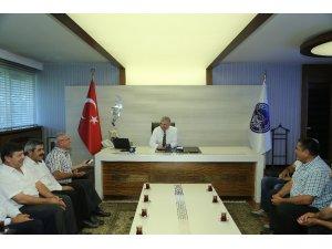 Yahyalılı muhtarlar Başkan Çelik'i ziyaret etti