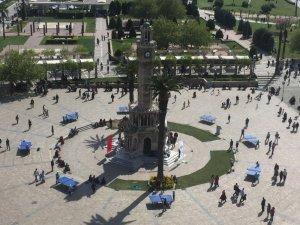 İstanbul'dan bunalan soluğu İzmir'de alıyor