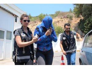 Adnan Oktar'ın 'kediciği' Bodrum'da güneşlenirken gözaltına alındı
