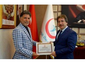 En Çok Kornea Nakli Yapan Prof. Dr. Kuddusi Erkılıç'a Sağlık Bakanlığı'ndan Teşekkür Belgesi