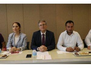 Adana'da CHP'li muhalifler kurultay istedi