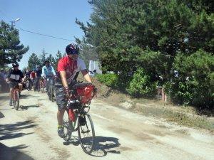 Ömer Halis Demir için 370 km pedal çevirecek
