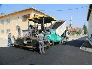 Odunpazarı Belediyesi Erenköy Mahallesi'ndeki 40 sokakta yol yapım ve onarım çalışması başlattı