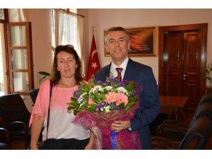 Kosovalı Kadınlardan Kaymakam Sırmalı'ya ziyaret