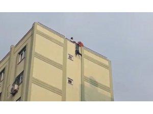 8. kattan atlarken akrabaları son anda kurtardı