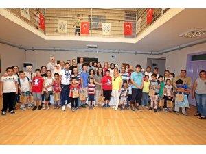 Amigurumi kursiyerleri otizmli çocukların yüzünü güldürdü