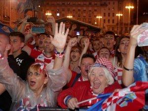 Hırvatistan tarihi zaferi coşkuyla kutluyor