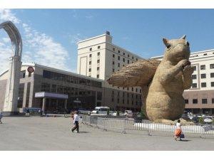 Pahalı heykel Kazakları sinirlendirdi