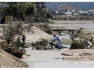 Japonyada'ki sel felaketinde ölü sayısı 200'e yaklaştı