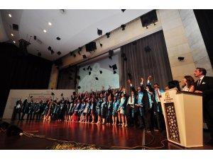 NEÜ'de genç diş hekimleri mezuniyet heyecanı yaşadı