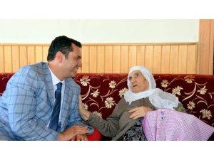 Eskişehir İl Sağlık Müdürlüğü'nden asırlık çınarlara anlamlı ziyaret