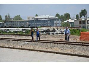 Demiryolunda alt geçit çalışmasına başlandı