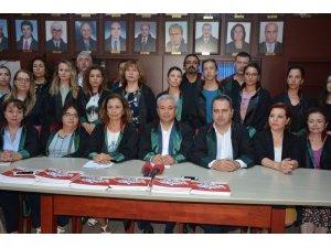 """İzmir Barosu: """"İdam veya hadım çözüm değildir"""""""
