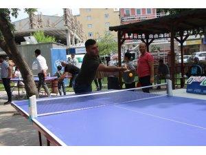 Ardahan'da masa tenisi turnuvası