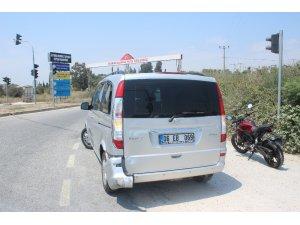 Manavgat'ta meydana gelen 2 ayrı motosiklet kazasında 3 kişi yaralandı.
