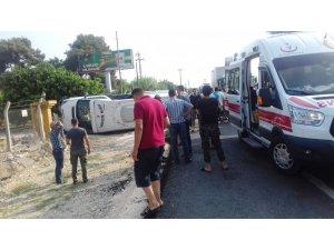 Kamyon yolcu minibüsüne çarptı: 14 yaralı