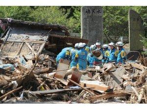 Japonya'da sel felaketinin ardından yıkım böyle görüntülendi