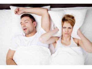 Bu sorun 40 yaşın üzerideki erkekle aynı yatağı paylaşan kadınları da olumsuz etkiliyor