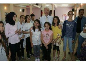 Başkan, TÜGVA'nın yaz okulu öğrencileriyle buluştu