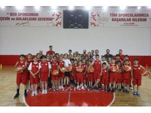 Gaziantep'te 12 branşta 20 bin öğrenciye yaz spor kursu