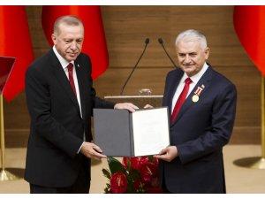TBMM Başkanı Yıldırım'a Devlet Şeref Madalyası tevcih edildi