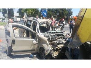İzmir'de feci kaza: 1 kişi öldü, hamile bir kadın ağır yaralı