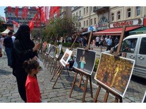 İHA'nın 15 Temmuz'u anlatan fotoğrafları Trabzon'da ilgiyle izlendi