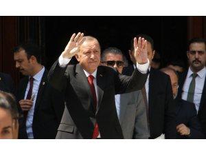 """Cumhurbaşkanı Erdoğan: """"İçeride ve dışarıda sinsi rakiplerimiz var"""""""