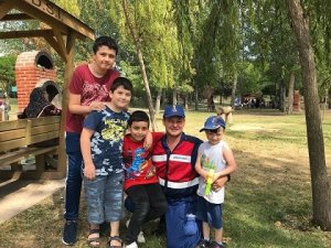 Jandarma'dan çocuklar için anlamlı uygula