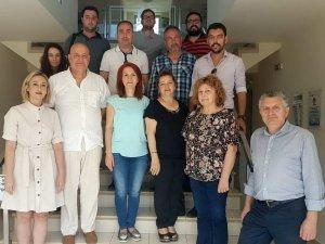 """""""Mülteci de ebeveyndir"""" projesi ekibi Yunanistan'da"""